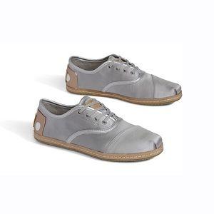 Women's Toms Silver Metallic Cordones Shoes 7.5 US